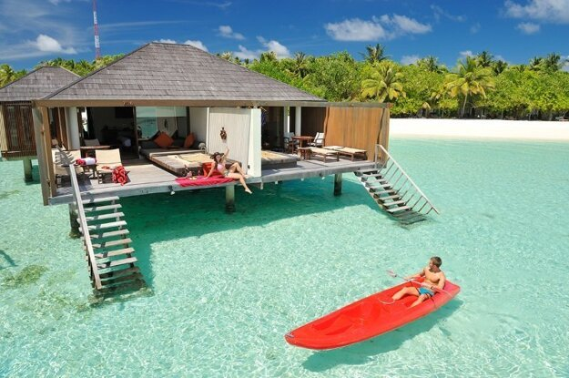 Holiday Island Resort & Spa, Maldivy
