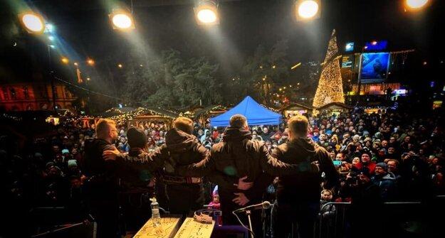 Ešte v sobotu otvorila vianočné trhy na Námestí osloboditeľov pred Auparkom Katka Knechtová.