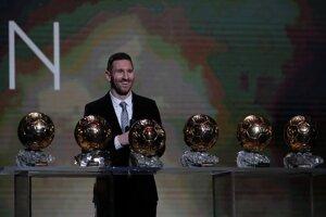 Lionel Messi je jediným futbalistom, ktorý získal šesť ocenení  Zlatá lopta.