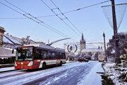 Jeden z najnovších krátkych trolejbusov v Prešove.