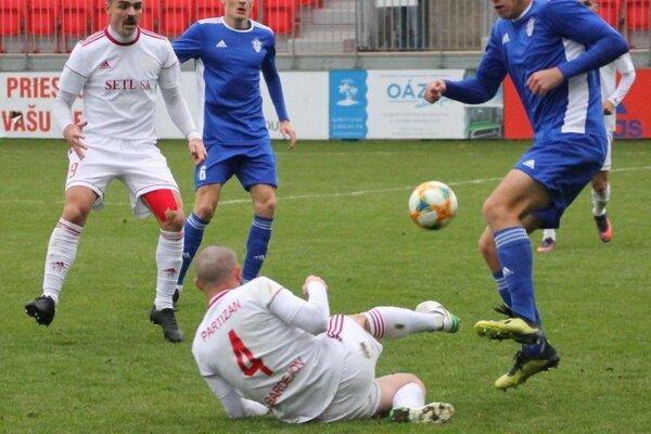 Bardejovský futbal je v ťažkej pozícii.