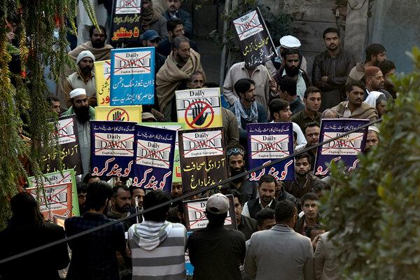 V Pakistane požadovali obesenie šéfredaktora a vydavateľa novín Dawn