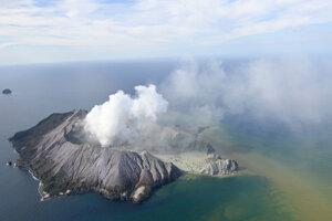 Sopka White Island 9. decembra 2019.