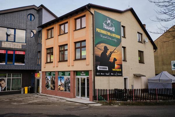 Novú predajňu nájdete na Kukučínovej ulici s možnosťou parkovania priamo pred budovou.