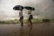Cyklón sa prehnal mestom Soalala.