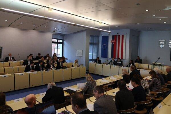 Prešovskí poslanci na stredajšom rokovaní.