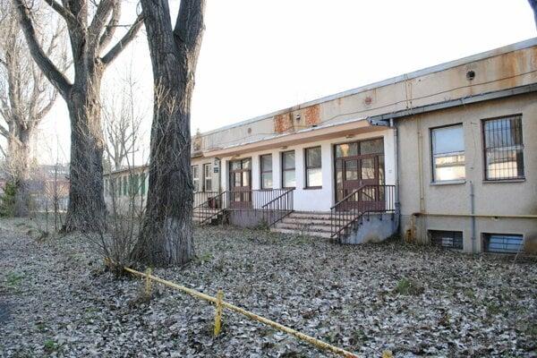 Bývalé Dukelské kasárne v Poprade.