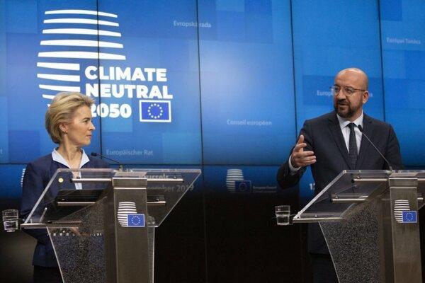 Predsedníčka Európskej komisie Ursula von der Leyenová a Charles Michel oznamujú zámer EÚ stať sa klimaticky neutrálnou do roku 2050.