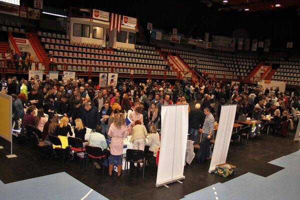 Burza práce a informácií bola v športovej hale v Považskej Bystrici.