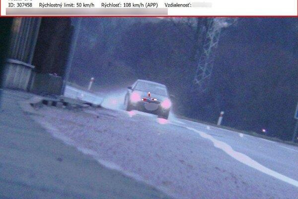Prirýchla jazda sa vodičovi nevyplatila.