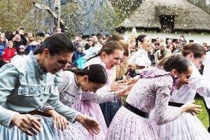 Tradičná oslava v skanzeme