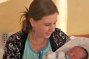 Prvým dieťatkom narodeným v roku 2020 v martinskej nemocnici je Filipko Bačé. Na svet ho priviedla mamička Lucia.