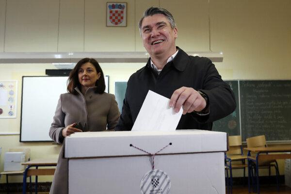 Zoran Milanovič pri volebnej urne.