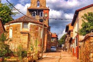 Atmosféra dedinky v severnom Španielsku.