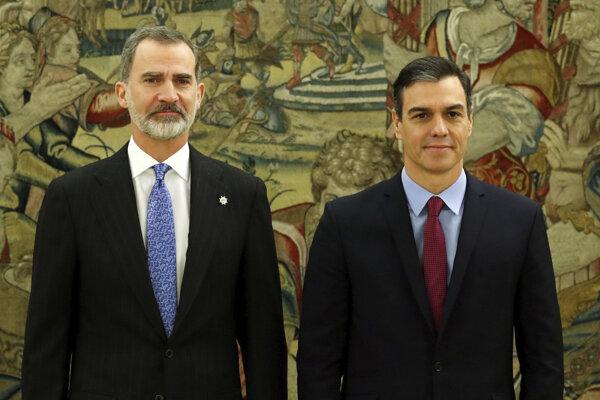 Staronový španielsky premiér Pedro Sánchez zložil slávnostnú prísahu pred kráľom Filipom VI.