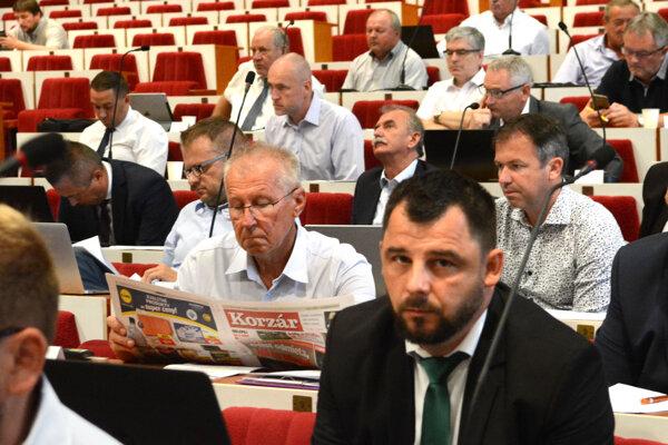 Županovi neprechádzajú cez krajských poslancov vlastné návrhy. Napríklad zníženenie nájmu pre Tabačku zastupiteľstvo trikrát odmietlo.