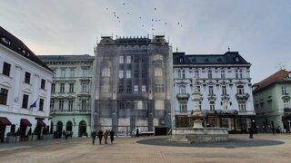 Čo bude s vyhorenou budovou Kooperativy? Poisťovňa odhaľuje plány