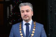Trnka by bol v polčase funkcie, no kvôli spájaniu župných a komunálnych volieb bude viesť košickú župu do roku 2022.