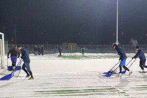 Zimná príprava Fomatu odštartovala odpratávaním snehu.