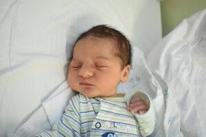 Mert Huseini (3550 g, 50 cm) sa narodil 6. januára Adriane a Aydinovi z Čachtíc.