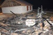 Následky požiaru v Medzeve.