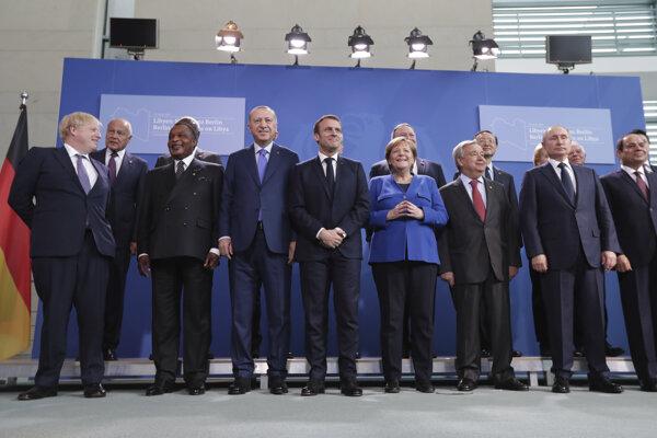 Lídri štátov pred konferenciou o Líbyi v Berlíne.
