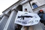 Demonštrácia na podporu práva držať zbrane. Richmond, Virgínia, 20.01.2020.