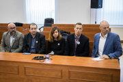 Kolegovia zavraždeného novinára Jána Kuciaka na súde.