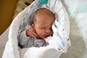 Šimon Kemel (2900 g, 48 cm) sa narodil 6. januára Ivane a Tomášovi zo Soblahova.