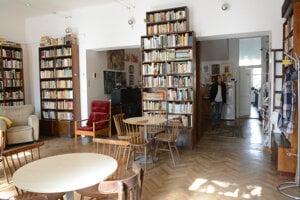 Historická vila ostáva k dispozícii občianskemu združeniu Rovás. Pôsobia tu najmä výtvarníci.