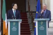 Zľava premiér írskej vlády Leo Varadkar a hlavný vyjednávač EÚ pre brexit Michel Barnier.