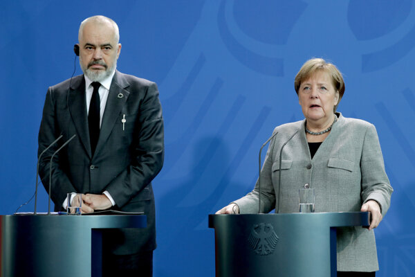 Albánsky premiér Edi Rama a nemecká kancelárka Angela Merkelová.