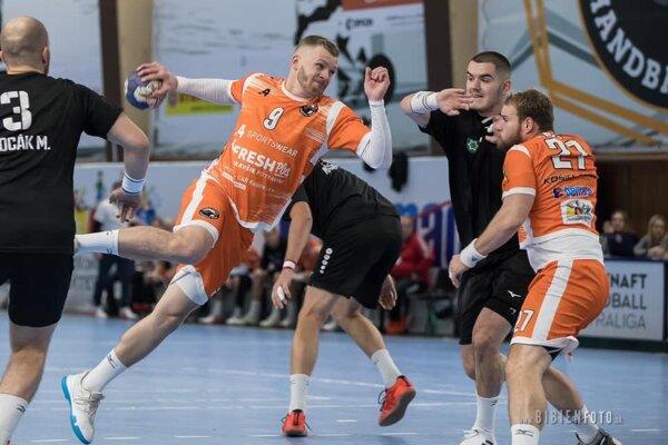 Záber zpredchádzajúceho zápasu medzi Košicami aNovými Zámkami, ktorý sa hral vKošiciach.