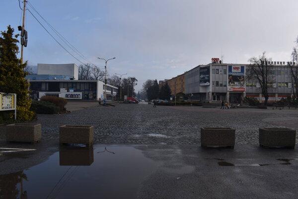 Poslanec navrhuje dopravné prepojenie ulíc Mierová a Gorkého.