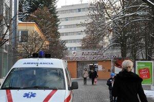 Fakultná nemocnica s poliklinikou v Žiline.