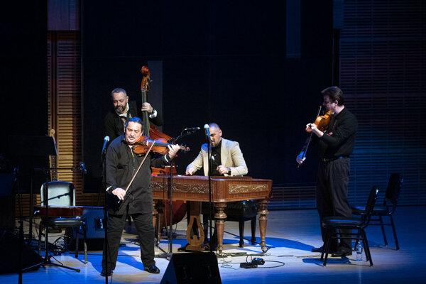 Ľudové kvareteo Jána Berkyho Mrenicu na koncerte v Carnegie Hall.