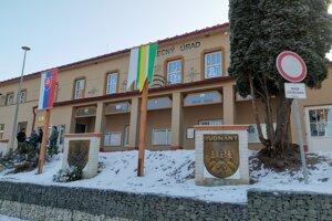 Obec Rudňany, kedysi stredisková obce. V súčasnosti tu plánujú vybudovať sociálny podnik.