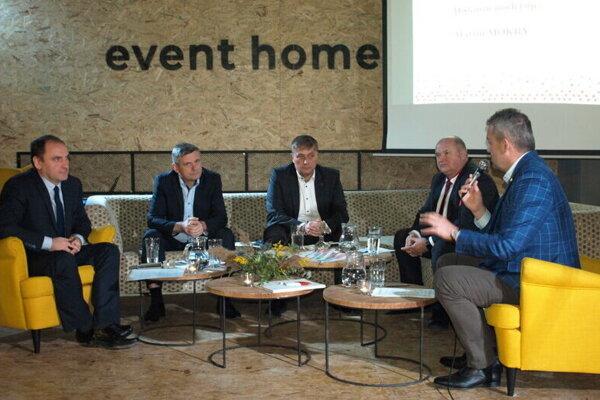 Diskusia načrtla najbližšie plány vprocese transformácie.