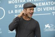 Brad Pitt v Benátkach.