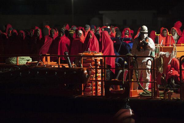 Španielski námorníci už predtým zachránili 119 pasažierov.