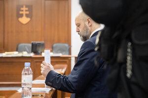 Pavol Rusko počas hlavného pojednávania Špecializovaného trestného súdu v prípade obžaloby za falšovanie zmeniek TV Markíza.