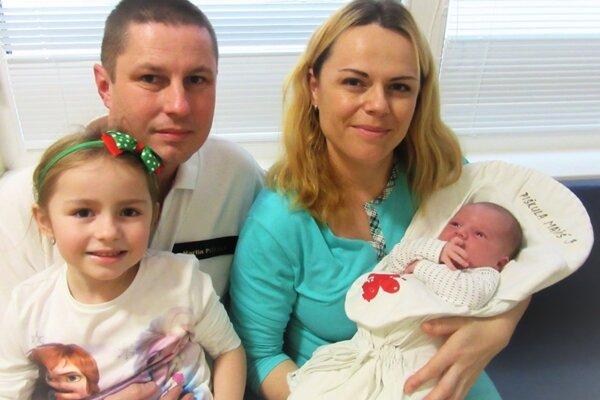 Manželia Piškulovci s deťmi
