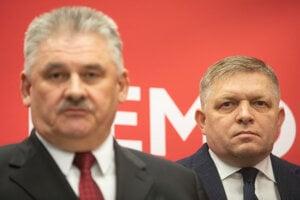 Minister práce Ján Richter a predseda Smeru Robert Fico.