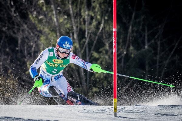Petra Vlhová počas slalomu.
