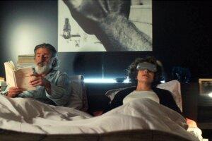 Daniel Auteuil a Fanny Ardent vo filme Zažiť to znovu.