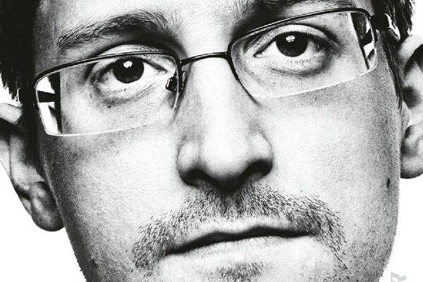 Edward Snowden: Trvalý záznam (Ikar 2020, preklad Peter Tkačenko)