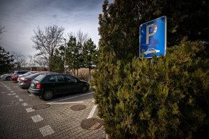 Svedok popísal, že Szabó tam bol na aute značky Peugeot Partner.