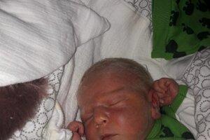 Dominik Divíšek (3790 g, 50 cm) sa narodil 1. februára Lucii a Martinovi z Beckova.