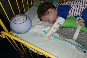 Už je doma, no lekári prorokujú, že sa do nemocnice čoskoro vráti.