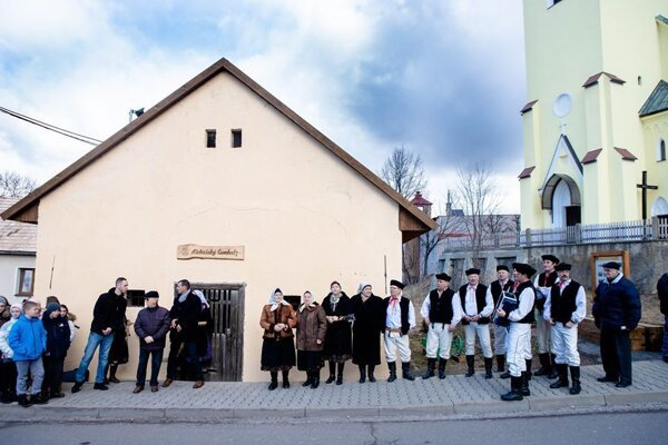 Spišské Bystré sa v minulosti nazývalo Kubachy a sýpka v spišskobystrianskom nárečí zase ľemhalz,tak vznikol názov.